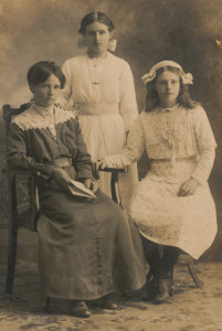 From L to R Maude, Lily and Maude Andersen from Septimus